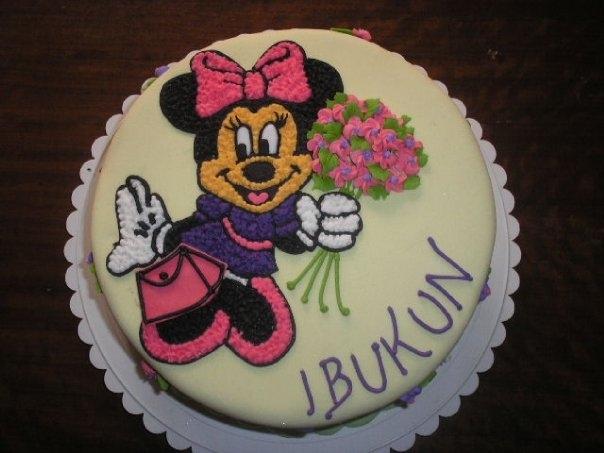 Minnie Mouse Cake 3 (B070)